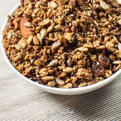 Vegan Gluten Free, Gluten Free Recipes, Granola, Black Eyed Peas, Oatmeal, Lunch Box, Beans, Food And Drink, Healthy Eating