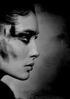 The coal face of fashion. Artistic Photography, Beauty Photography, Portrait Photography, Fashion Photography, Profile Photography, Tv Movie, Edward Weston, Portraits, Comic