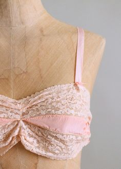 Vintage Pink Rayon and Lace Bra and Tap Pants Set Hairpin Lace Crochet, Crochet Edgings, Crochet Motif, Crochet Shawl, Ropa Interior Vintage, T Shirt Crop Top, Crop Tops, Short Waist, Satin Material