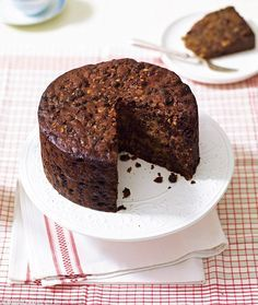 A very Mary Christmas: My favourite fruit cake Daily Mail Online Christmas Cake Recipe Uk, Mary Berry Christmas Cake, Christmas Cake Pops, Mary Christmas, Christmas Stuff, Christmas 2019, Christmas Decorations, Date Nut Cake Recipe, Moist Fruit Cake Recipe