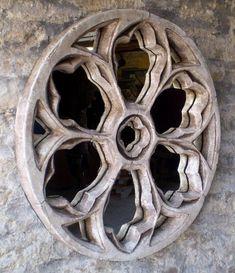 gothic-round-trefoil-window-mirror