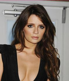 **It's gorgeous dark hair like this that makes me consider going dark again /KT**  Mischa Barton's chestnut hair colour here