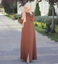 Image may contain: 1 person standing and outdoor Tesettür Elbise Modelleri 2020 Hijab Fashion Summer, Abaya Fashion, Fashion Dresses, Maxi Dresses, Fashion Styles, Evening Dresses, Islamic Fashion, Muslim Fashion, Hijab Style Dress
