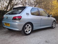 Peugeot 306 (owned) - fixed up a couple of these Peugeot 306, Psa Peugeot Citroen, Modern Classic, Classic Cars, Peugeot France, Automobile, All Cars, Car Pictures, Cars And Motorcycles
