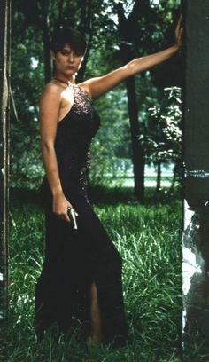 carey lowell as pam bouvier in licence to kill