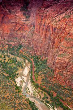 Angel's Landing Trail, Zion National Park, Utah.  Photo: Dori Myer & Tim Aston, pantshole via Flickr