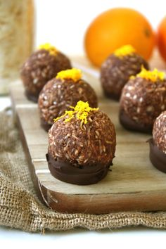 Need a last-minute #ValentinesDay treat? Whip up these Chocolate Orange Macaroons dipped in dark chocolate! #vegan #GF
