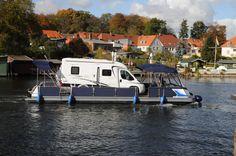 Der Wechselcamper für eigene Wohnmobile nach der Durchfahrt der historischen Drehbrücke der Inselstadt Malchow.