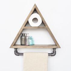 Evila Originale   Charakterstarke Regale und Ablagen Rack Shelf, Wall Racks, Kitchen Shelves, Wood Shelves, Pallet Ideas To Sell, Triangle Wall, Hanging Towels, Metal Pipe, White Shelves