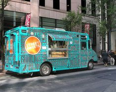 Long gone are chuckwagons and roach coaches. The new #foodtruck is gourmet and trendy > http://ofwitandwill.com/table-top/food-truck/