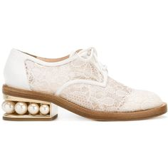 Nicholas Kirkwood 35mm Casati pearl Derby shoes ($1,095) ❤ liked on Polyvore featuring shoes, oxfords, white, floral print oxfords, low shoes, floral shoes, white mid heel shoes and round toe shoes