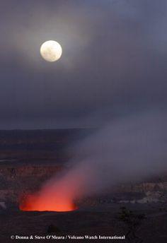 Mirar el volcán= volcano watching Iría a Arenal por su flujo de lava y fuego eructos  Arenal=un volcan en costa rica