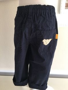 Mein Steiff Hose Unisex Gr.18 Monate / 86 cm von Steiff! Größe 86 für 15,00 €. Schau´s dir an: http://www.mamikreisel.de/kleidung-fur-jungs/hosen-hosen/41828011-steiff-hose-unisex-gr18-monate-86-cm.