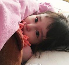 Cute Little Baby, Cute Baby Girl, Baby Girl Newborn, Little Babies, Baby Kids, Cute Asian Babies, Korean Babies, Asian Kids, Cute Babies