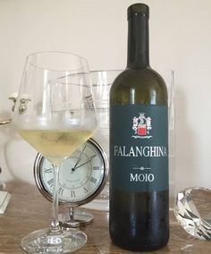FALANGHINA PGI WHITE WINE MOIO  The wine has a beautiful straw lively tinged with gold. with a delicate aroma of green apple and tropical fruit. The taste is soft.