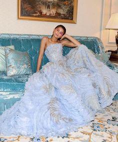 Mode Zendaya, Zendaya Outfits, Zendaya Style, Zendaya Dress, Zendaya Fashion, Zendaya Coleman, Elegant Dresses, Pretty Dresses, Beautiful Dresses