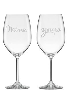 This coordinating set of Kate Spade crystal wine glasses makes sharing so easy and sweet.