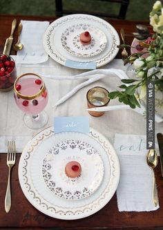 Wow! - rustic and cute place setting | CHECK OUT MORE GREAT VINTAGE WEDDING IDEAS AT WEDDINGPINS.NET | #weddings #vintagewedding #weddingvintage #oldweddingphotos #events #forweddings #iloveweddings #romance #vintage #planners #old #ceremonyphotos #weddingphotos #weddingpictures