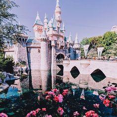 On Saturdays, we Disneyland. Walt Disney, Disney Day, Disney Theme, Disney Love, Disney Trips, Disney Magic, Disney Parks, Disney Pixar, Disney Stuff