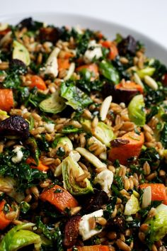 Roasted Vegetable & Farro #Salad | #Vegan Chews & Progressive News {12-26-14} http://samscutlerydepot.com/product/2-piece-santoku-and-peeler-gift-set-color-red/