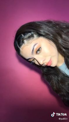 A little hair tutorial moment ?♀️ A little hair tutorial moment ? Hair Up Styles, Medium Hair Styles, Easy Hairstyles For Long Hair, Braided Hairstyles, Rubber Band Hairstyles, Bandana Hairstyles, Colored Hair Tips, Baddie Hairstyles, Athletic Hairstyles