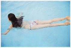 Motokariya_AIR_066-067.jpg - Motokariya Yuika 本仮屋ユイカ - bomb.tv 2008.09 photoshoot | by korobix