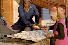 Doğu Türkistan Uygur Türkleri'nin geleneksel olarak pişirdikleri ekmekleri