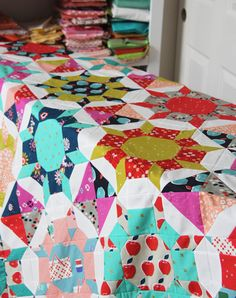 Sparkle Quilt Top Quilting Blogs, Quilting Projects, Quilting Ideas, Sewing Machine Quilting, Star Quilts, Quilt Blocks, Quilt Top, Cluck Cluck Sew, Colorful Quilts