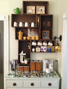 Coffee Bar Ideas - Looking for some coffee bar ideas? Here you'll find home coffee bar, DIY coffee bar, and kitchen coffee station. Coffee Bar Station, Tea Station, Home Coffee Stations, Wine Bar Design, Coffee Bar Design, Coffee Nook, Coffee Bar Home, Coffee Bars, Coffee Wine