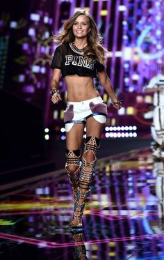 Josephine Skriver | 27 Of The Craziest Looks From The Victoria's Secret Fashion Show
