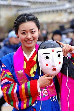 korean actress Lee young eun in hanbok with a korean mask #hanbok #mask #korea