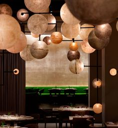 Pump Room ~ Chicago. Love the lighting here.