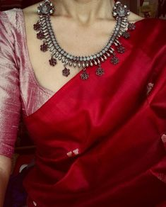 Five Best Saree Blouse Designs – Fashion Asia Indian Dresses, Indian Outfits, Maroon Saree, Red Saree, Red Blouse Saree, Bollywood Saree, Saree Dress, Bollywood Fashion, Designer Sarees