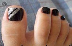 Shellac black toes