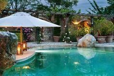 Borgo San Pietro Infinity pool - detail