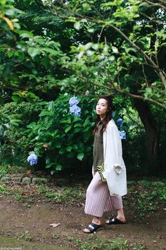 Japanese fashion blogger,OOTD,SheIn-Army green shirt,pleated wide leg cropped…