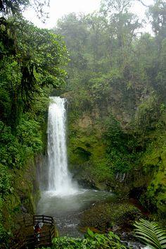La Paz Waterfalls , Costa Rica