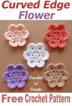 Crochet Projects Crochet flowers are great if you want to whip up a small project fast, make this FREE crochet pattern for curved edge flower to decorate most projects. Cute Crochet, Crochet Motif, Crochet Crafts, Crochet Stitches, Crochet Hooks, Knit Crochet, Crochet Flower Tutorial, Crochet Flowers, Crochet Small Flower