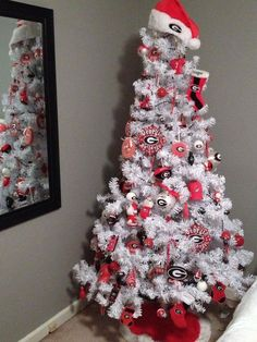 UGA red and black Christmas tree great for a sports room/woman cave! Black Christmas Trees, Christmas Tree Themes, All Things Christmas, Christmas Holidays, Christmas Crafts, Holiday Decor, Christmas Ideas, Seasonal Decor, Christmas Goodies