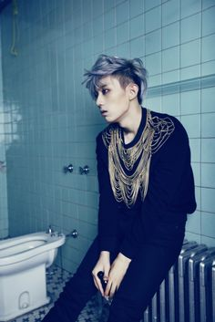reference, photo, pose, man, sitting, #Troublemaker #hyunseung #beast