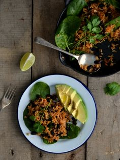 Spicy stir-fried brown rice with black beans and spinach