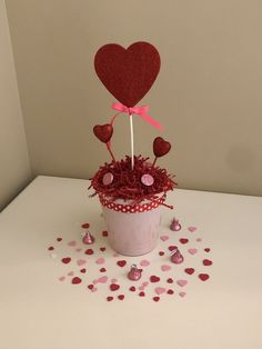 49 Latest Diy Valentine'S Day Decorations Ideas. How are you spending your Valentine's Day? Whether you're spending a romantic night on the town or chilling with family or friends, you can still. Fun Valentines Day Ideas, Valentines Day Decorations, Valentine Day Crafts, Valentine Table Decor, Diy Valentine's Day Decorations, Little Valentine, Valentine's Day Diy, Things That Bounce, Diy Crafts
