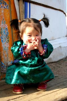 "turquoblue: ""quietbystander: "" Mongolian little girl "" soooooo cute.. """