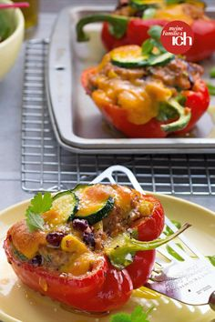 Healthy Dishes, Healthy Recipes, Food Design, Recipe Collection, Feta, Main Dishes, Food And Drink, Low Carb, Stuffed Peppers