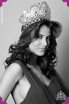 Stefanía Fernández Krupij. Miss Trujillo 2008. Miss Venezuela 2008. Miss Universo 2009
