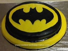 Batman Birthday Cake Design by may – Lace Wedding Cake Ideas Batman Birthday Cakes, Batman Cakes, Cool Birthday Cakes, Easy Birthday Desserts, Homemade Birthday Cakes, Party Desserts, Thomas Birthday, 5th Birthday, Birthday Ideas