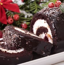Make one of the most iconic cakes of Christmas this year with this incredible recipe for a Bûche de Noël, or yule log cake. Christmas Yule Log, Christmas Desserts, Christmas Baking, French Christmas, Christmas Dinners, Xmas Food, Christmas Cakes, Christmas Chocolate, Holiday Dinner
