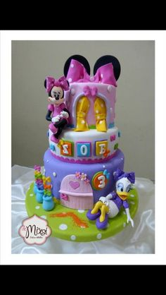 Minnie mouse And daisy Cake