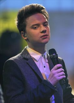 Conor Maynard hes soo sexy im speechless when i see him..