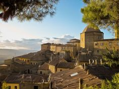 VOLTERRA - Volterra, known to the ancient Etruscans as Velathri, to the Romans as Volaterrae, is a town and comune in the Tuscany region of Italy.
